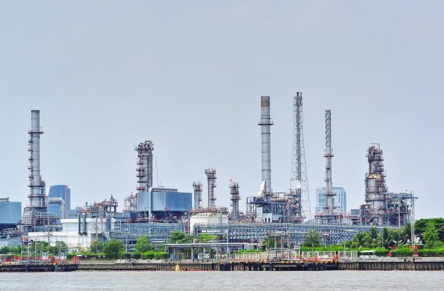 large-oil-refinery-plant-by-the-river_t20_Nx0WJE-Large.jpg